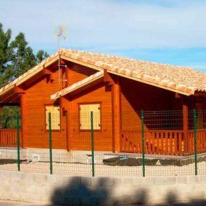 Casa de madera de 100 m2 y 40 m2 porche