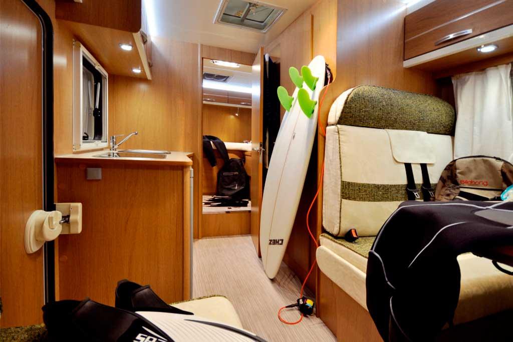 movilrodan alquiler autocaravana seal 98 2 2 plazas. Black Bedroom Furniture Sets. Home Design Ideas